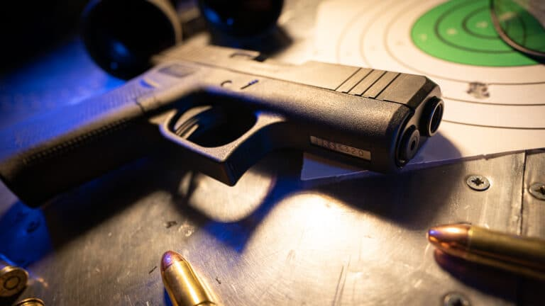 9 Reasons Why Navy Seals Use the Glock 19